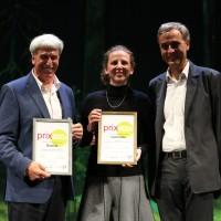 Gewinnerin des prix eco.ch Klimaschutzstiftung myclimate (Entgegennahme durch Sabine Perch-Nielsen (mitte)) , 2. Platz Biomilk AG (Entgegennahme durch ViktorKambli links) und Guy Morin, Regierungspräsident Kanton Basel-Stadt